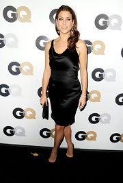 Kate Walsh topped off her darling black satin cocktail dress with black stilettos.