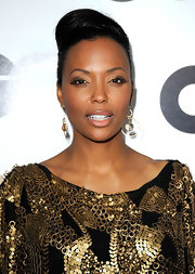 Aisha Tyler looked lovely wearing her hair in a sexy bobby pinned updo at the 16th Annual GQ Men of the Year party.