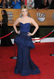 Drew got mixed reviews for her strapless layered navy blue gown. We thought her Spring 2009 look was unique and Drew looked beautiful as usual!