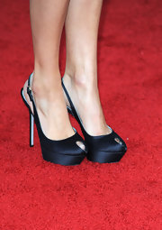 Jana Kramer walked the red carpet at the 16th Annual Screen Actors Guild Awards in a pair of slingback black platform peep-toe pumps.