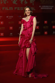 Laura opted for a rich fuchsia-colored ruffled fishtail dress at the Shanghai International Film Festival Opening Ceremony.