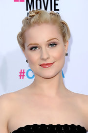 Evan Rachel Wood wore a pair of pretty Anna Beth gemstone earrings at the 17th Annual Critics Choice Awards.