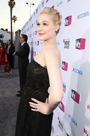 Evan Rachel Wood wore a grayish-lavender shade of nail polish at the 17th Annual Critics' Choice Movie Awards.