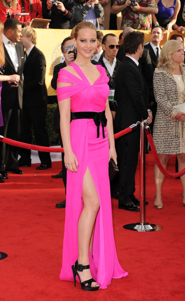 http://www3.pictures.stylebistro.com/gi/17th+Annual+Screen+Actors+Guild+Awards+Arrivals+3hoUqG2-YrDl.jpg