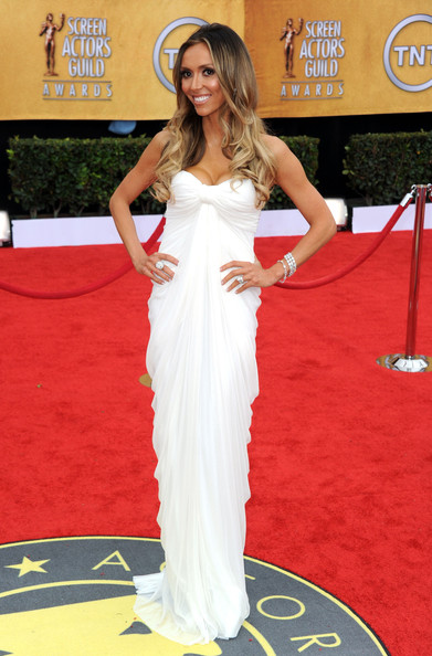 http://www3.pictures.stylebistro.com/gi/17th+Annual+Screen+Actors+Guild+Awards+Arrivals+q2_khVXeTXYl.jpg