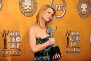 Claire Danes excepted her SAG award wearing a 1960's diamond bracelet in platinum.