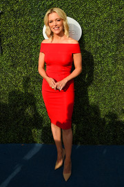 Megyn Kelly was sleek and sophisticated in a fitted red off-the-shoulder dress at the USTA Foundation opening night gala.