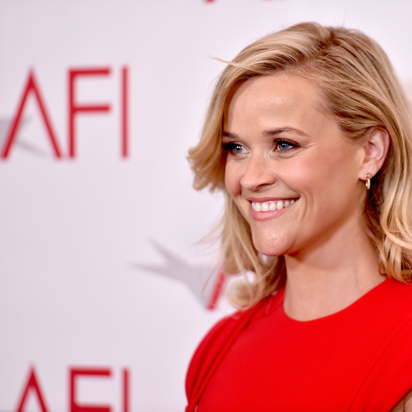 More Pics of Reese Witherspoon Form-Fitting Dress (1 of 9) - Reese Witherspoon Lookbook - StyleBistro