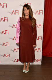 Patty Jenkins kept it modest in a contrast-sleeve midi dress by Tibi at the 2018 AFI Awards.