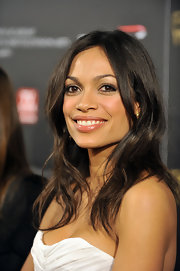 Rosario Dawson went with a casual 'do while attending the BAFTA Awards in Los Angeles. The actress opted for a center part wavy 'do.