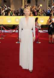 Tilda Swinton wore a pleated ivory gown to the SAG Awards.