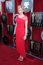 Michelle Williams attended the 18th Annual SAG Awards wearing a 1940s 18-carat gold link bracelet and a 1920s diamond line bracelet in platinum.