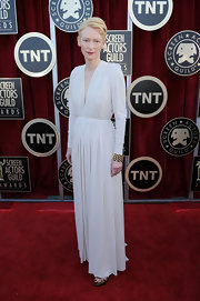 Tilda Swinton wore a 1940s 18-carat gold and diamond bracelet at the 18th Annual SAG Awards.