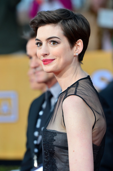 More Pics of Anne Hathaway Pixie (5 of 39) - Short Hairstyles Lookbook - StyleBistro
