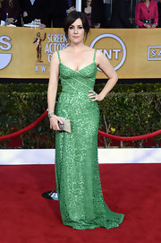 Melanie Lynskey looked positively flawless in this green lace gown at the SAG Awards.
