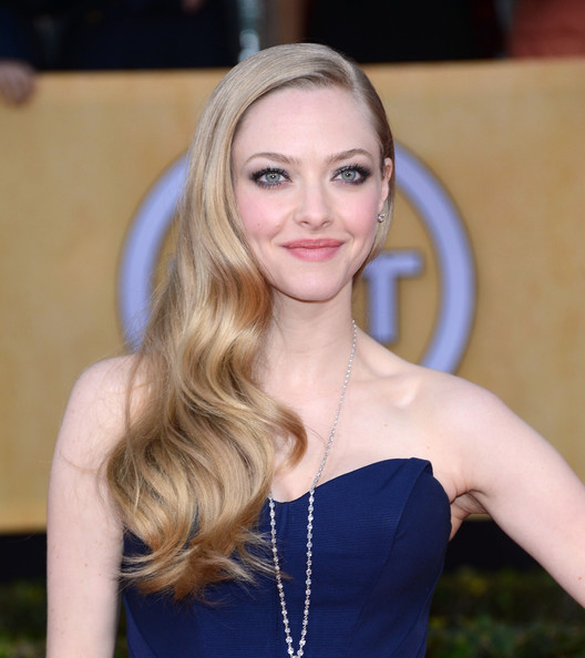 More Pics of Amanda Seyfried Long Curls (10 of 13) - Long Hairstyles Lookbook - StyleBistro