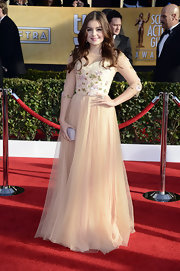 Ariel Winter looked like a darling princess in this peach tulle gown with floral embroidery.