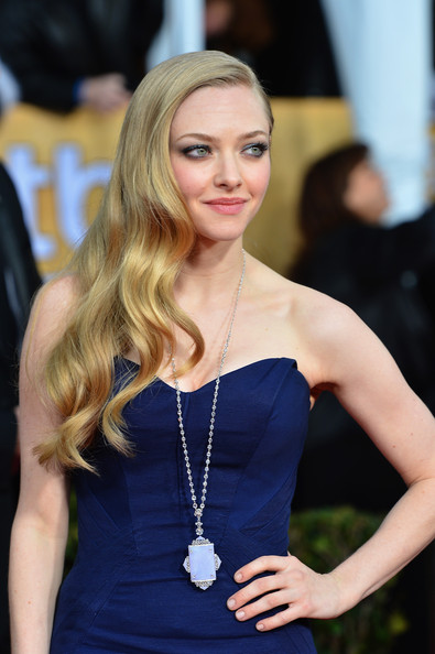 More Pics of Amanda Seyfried Long Curls (2 of 13) - Long Hairstyles Lookbook - StyleBistro