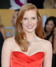 To enhance her natural beauty, Jessica Chastain swiped on some barely-there pink lipstick for the 2013 SAG Awards.