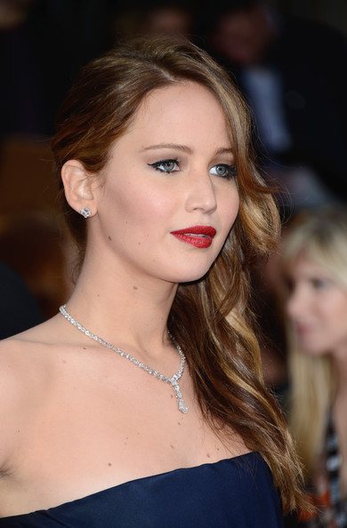 More Pics of Jennifer Lawrence Red Lipstick (3 of 31) - Makeup Lookbook - StyleBistro