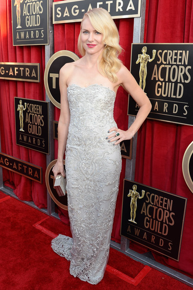 http://www3.pictures.stylebistro.com/gi/19th+Annual+Screen+Actors+Guild+Awards+Red+ddqx2UgbGx3l.jpg