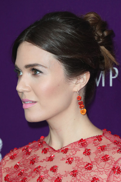 Mandy Moore pulled her tresses back into a twisted bun for the Costume Designers Guild Awards.
