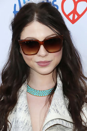 Michelle Trachtenberg looked dramatic in her angular tortoiseshell shades at the Children Mending Hearts Style Sunday.
