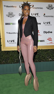 Kelis dared to ware the Armadillo shoe on the red carpet. She paired her look with a leather body suit.