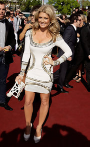 Natalie Bassingthwaighte was out at the 2009 ARIA Awards wearing fitted dress with metal bead details.