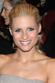 Michelle Hunziker's smokey eyes were a fierce way to make her eyes stand out.