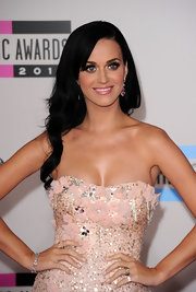 Katy Perry was simply dazzling in her strapless Badgley Mischka dress. She completed her look with a Sissi Couture 18-karat white gold bracelet with round diamonds and morganite.