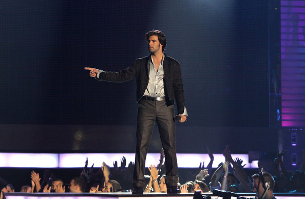 More Pics of Jencarlos Canela Cropped Jacket (1 of 4) - Jencarlos Canela Lookbook - StyleBistro