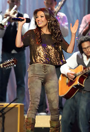 Thalia looked marvelous in figure-fitting skinny jeans at the Billboard Latin Music Awards.