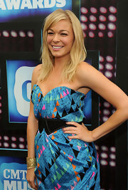 LeAnn Rimes hit the CMT Awards to show off her shoulder length hair.
