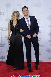 Luisana Lopilato showed off her stunning evening gown while hitting the 2010 Juno Awards.