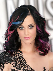 Katy Perry went playful with this pastel-streaked curly 'do at the 2010 MTV VMAs.