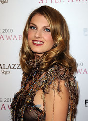 Angela rocked retro waves at the 2010 Style Awards.