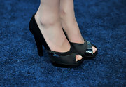 Yvonne attended the VH1 Do Something Awards wearing a coveted pair of black peep toe pumps.