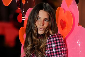 Pictures: Lily Aldridge at the 2010 Victoria's Secret Fashion Show