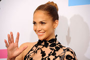 Jennifer Lopez wore her hair in a lovely, chic braided bun at the 2011 American Music Awards.