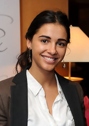 Naomi Scott wore a lovely pair of drop earrings at the DPA Golden Globes Gift Suite.
