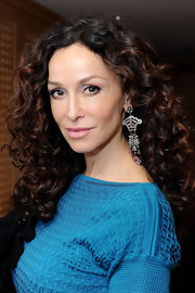 Sofia Milos looked stunning in a pair of diamond chandelier earrings at the DPA Golden Globes Gift Suite.