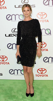Emily VanCamp looked ladylike at the 2011 Environmental Media Awards in classic black stilettos.