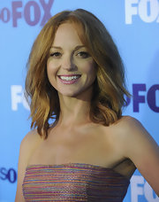 Jayma Mays styled her ginger hair in soft waves at the 2011 Fox Upfront event.