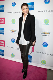 Bridget Moynahan opted for a no nonsense look in a black boyfriend blazer, white blouse and black leather leggings.