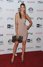 Mini looked sensational at the Maxim Hot 100 Party in a nude bandage dress.