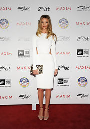 Rosie Huntington-Whiteley added a dose of print via a leopard envelope clutch.