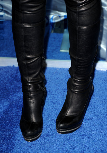 More Pics of Raven-Symone Over the Knee Boots (1 of 8) - Boots Lookbook - StyleBistro [footwear,black,human leg,shoe,leg,boot,leather,knee-high boot,jeans,high heels,arrivals,raven-symone,peoples choice awards,fashion detail,california,los angeles,nokia theatre l.a. live]