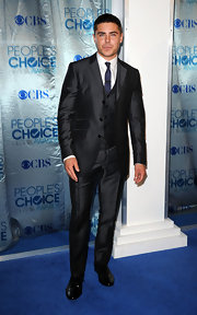 Zac looked like a GQ model in an iridescent three piece suit.