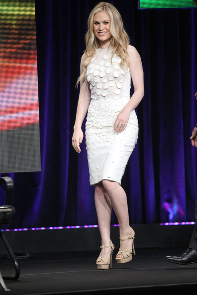 Anna Paquin was white hot in a white disc appliqué sheath dress at the 2011 Summer TCA Tour. The blond beauty wore her highlighted locks down and stepped out in nude platform sandals.